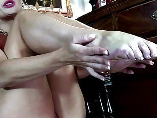 Hot in natures garb milf with french pedicure feet solo