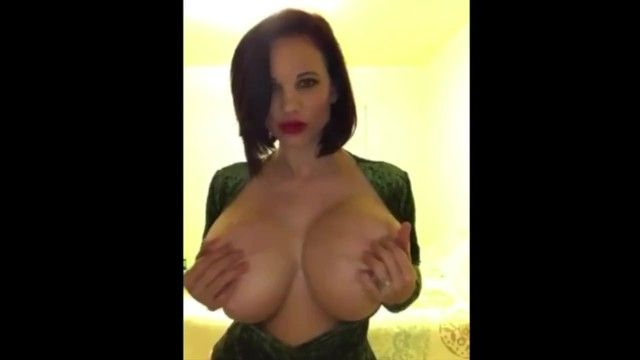 Megahot housewife wannabe twitter porn star with massive bazookas music movie scene