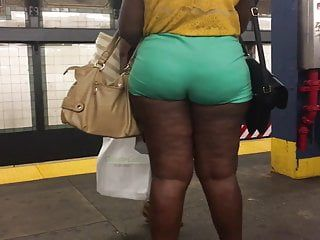 Thick wazoo afro milf in green short panties