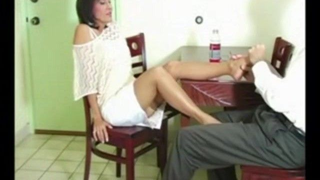 Hawt milf roni gives her hunk a nylon footsie over dinner