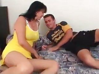 Milf getting screwed by juvenile hunk