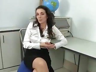 Mega shaggy milf masturbates in the office