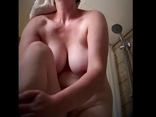 Corpulent milf bra buddies after bathroom