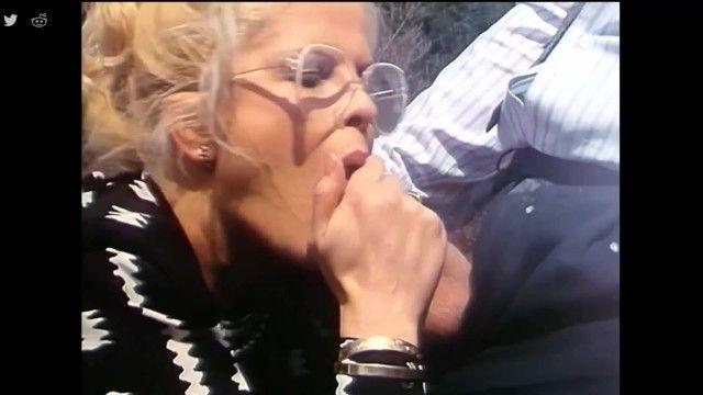 Granny blow job cum drink - older golden-haired cum swallowing oral job - vintage oral job milf sucks off