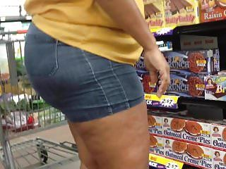 Thick redbone milf in wazoo shorts